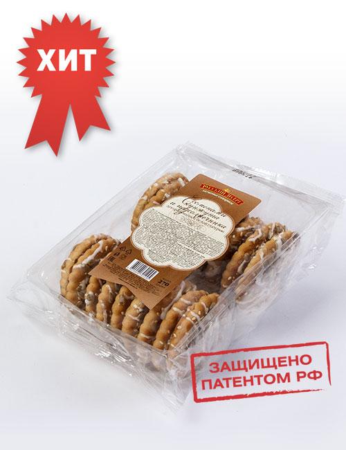 Печенье сахарное «Русский десерт» с семенами кунжута и подсолнечника , декорированное белой кондитерской глазурью